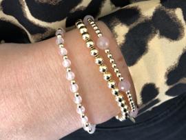Armband Zeynep met real gold plated balletjes en rozenkwarts edelsteen