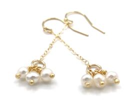 Gouden oorbellen met zoetwaterpareltjes