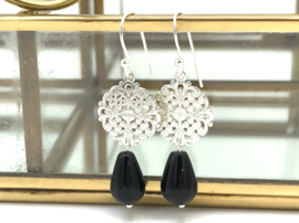Zilveren Bohemian oorbellen met zwarte onyx druppel