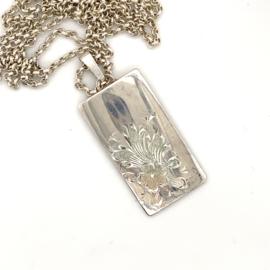 Occasion zilveren lang collier met graveerplaatje