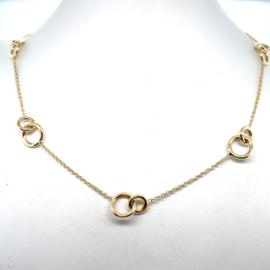 Geelgouden collier met ringetjes in elkaar