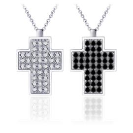 Zilveren ketting met kruis hanger en zwarte zirkonia