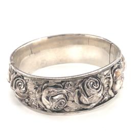 Occasion bangle armband  met geciseleerde rozen