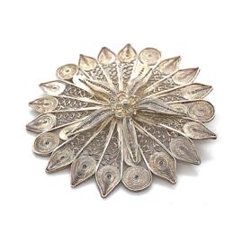 Occasion filigrain bloem broche