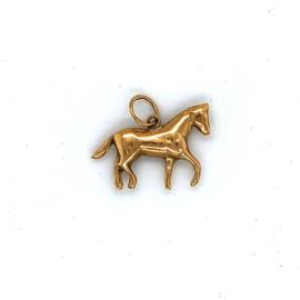 Geelgouden bedel paard