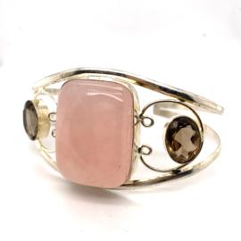 Zilveren handgemaakte klemarmband met rozenkwart en rookkwarts