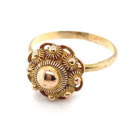 Occasion gouden ring met een gouden Zeeuwse knoop