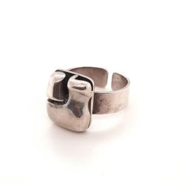 Occasion zilveren handgemaakte organische ring