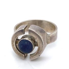 Occasion ring met donkerblauwe lapis lazuli