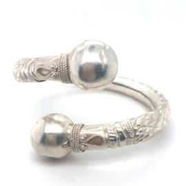 Occasion zilveren filigrain bangle 2 bollen