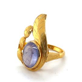 Occasion ring 22 karaat met paars blauwe edelsteen