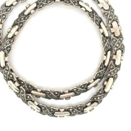 Occasion zilveren collier met markasiet steentjes