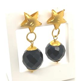 Occasion gouden oorhangers met ster en granaat
