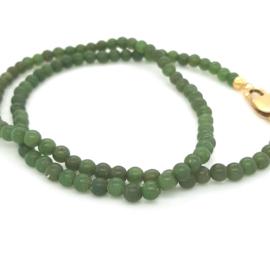 Occasion collier met groene jade en gouden sluiting