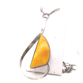 Occasion zilveren ketting met barnsteen hanger