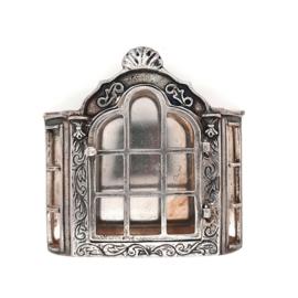 Occasion zilveren miniatuur wandkastje 20e eeuw