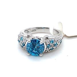 Nieuwe zilveren ring met witte en blauwe zirkonia's
