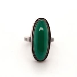 Occasion zilveren ring met groene agaat