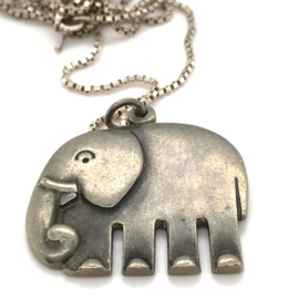 Occasion collier met grote olifant hanger