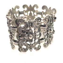 Occasion zilveren grote barokstijl schakelarmband