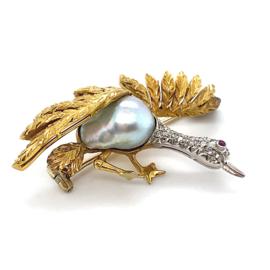 Occasion 18K gouden vogel broche met Zuidzee parel en diamant