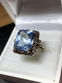 Occasion vintage gouden ring met topaas edelsteen