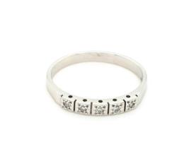 Occasion witgouden rij ring met 5 diamanten 0.10ct SI F