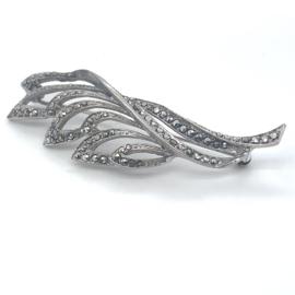 Occasion zilveren broche met markasiet