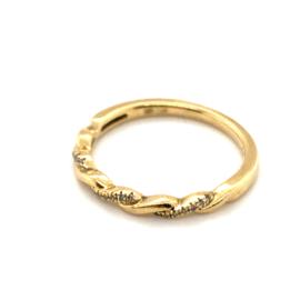 Occasion fijne 'gedraaide' ring met diamant circa 0.10ct