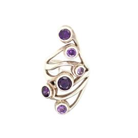 Occasion opengewerkte gekrulde ring met paarse amethist edelstenen