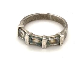 Occasion zilveren ring met 3 witte zirkonia's
