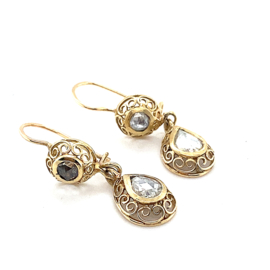 Occasion gouden oorhangers met roosdiamant