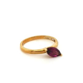Occasion ring met paarse zirkoon edelsteen 10k bwg