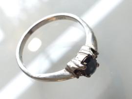 Occasion zilveren ring met saffier