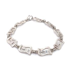 Occasion zilveren armband met gegolfde opengewerkte schakels