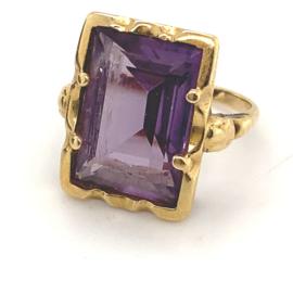 Occasion gouden ring met synthetische alexandriet