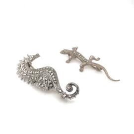 set broches zeepaard & salamander markasiet