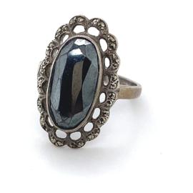 Occasion zilveren ring met hematiet en markasiet