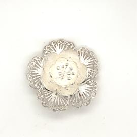 Occasion zilveren bloem broche filigrain