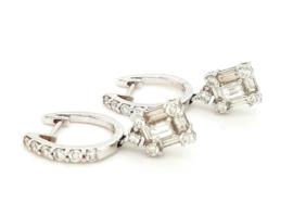 Occasion witgouden klap creolen met hanger en diamant