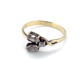 Occasion gouden ring met 3 zirkonia's