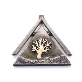 Occasion driehoekige hanger met boom van zilver en goud