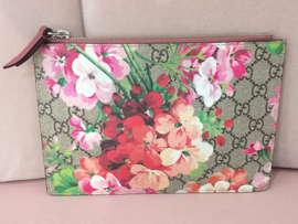 Occasion Gucci bloemen pouch