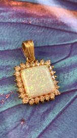 Occasion gouden hanger met prachtige opaal en 0.52 ct diamant