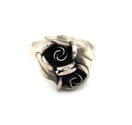 Occasion zilveren ring met 2 roosjes