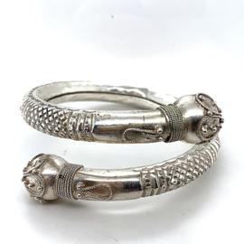 Occasion zilveren klemarmband 2 filigrain bollen