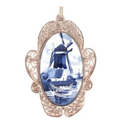Occasion zilveren filigrain hanger met delfts blauwe afbeelding