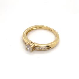 Occasion geelgouden solitair ring met diamant 0.37ct