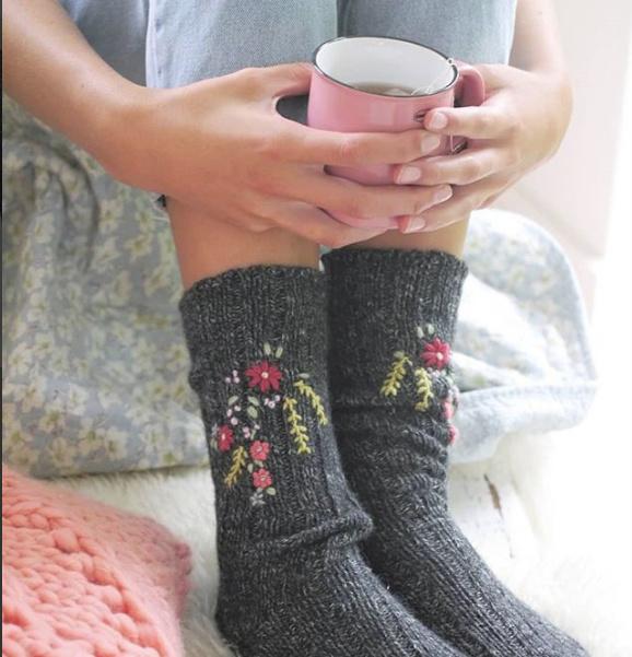 14 december 2019 - Workshop sokken of handschoenen borduren - door Nienke Landman (Mooi van Draad)