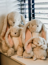 Bunnies By The Bay | knuffel Tiny Nibble Bunny cream